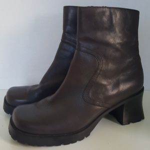Bass Brown Leather Block Heeled Ankle Boot 8M